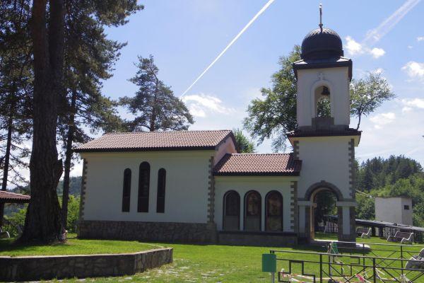 храм Св. Георги край с. Чокманово