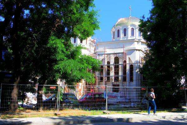 Новостроящият се храм Св. Прокопий Варненски