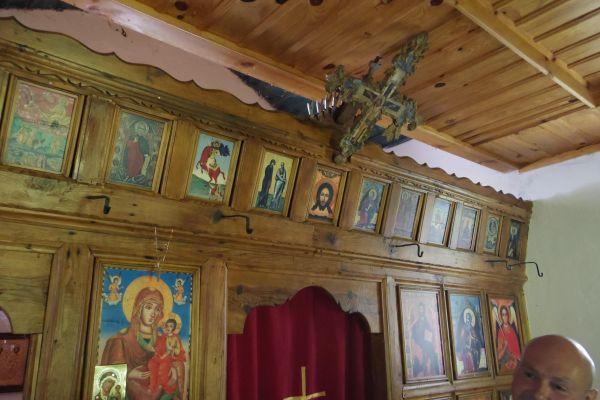 Вече реставрираният храм - интериор